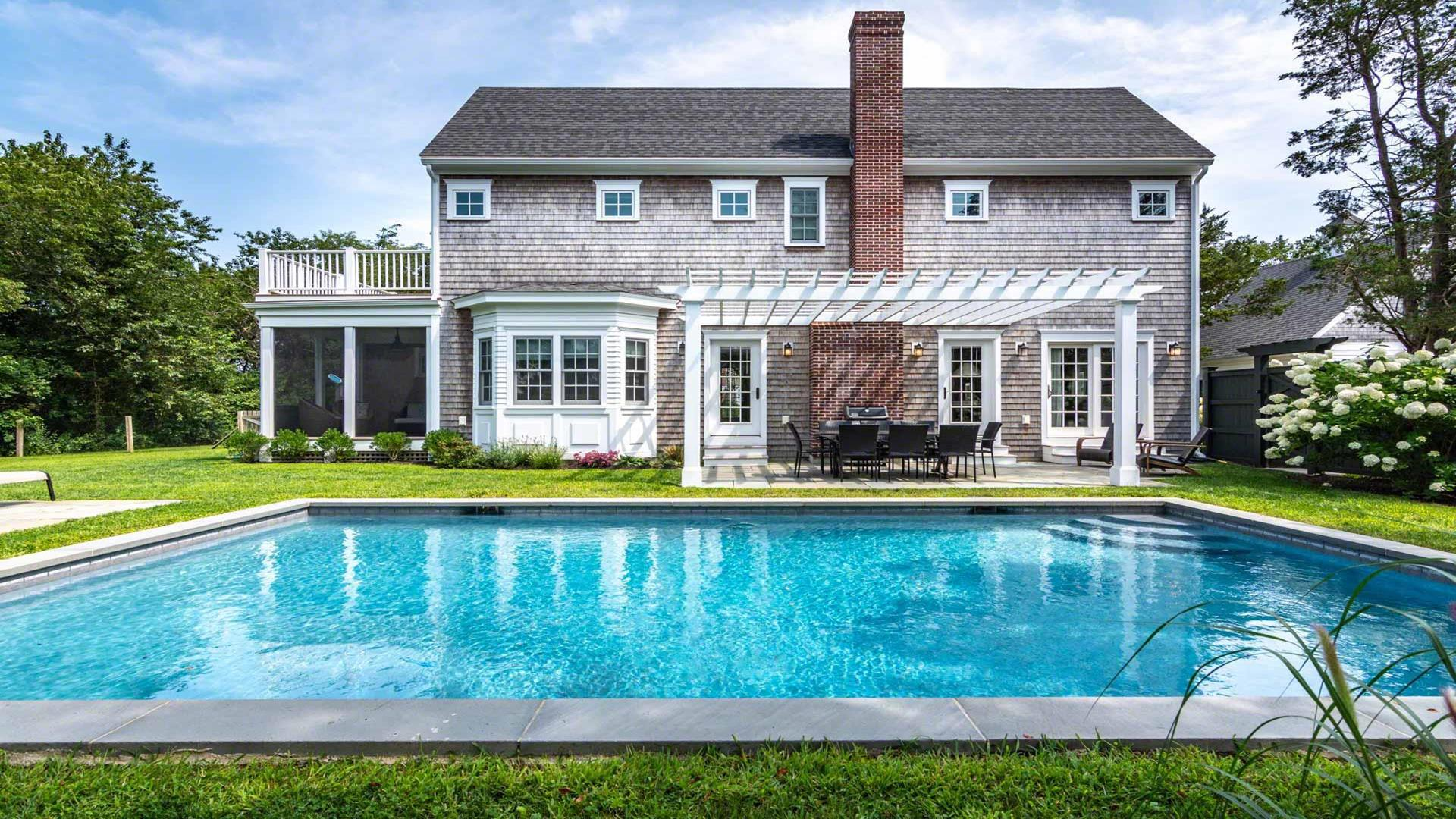Edgartown Compound With Pool And Carriage House