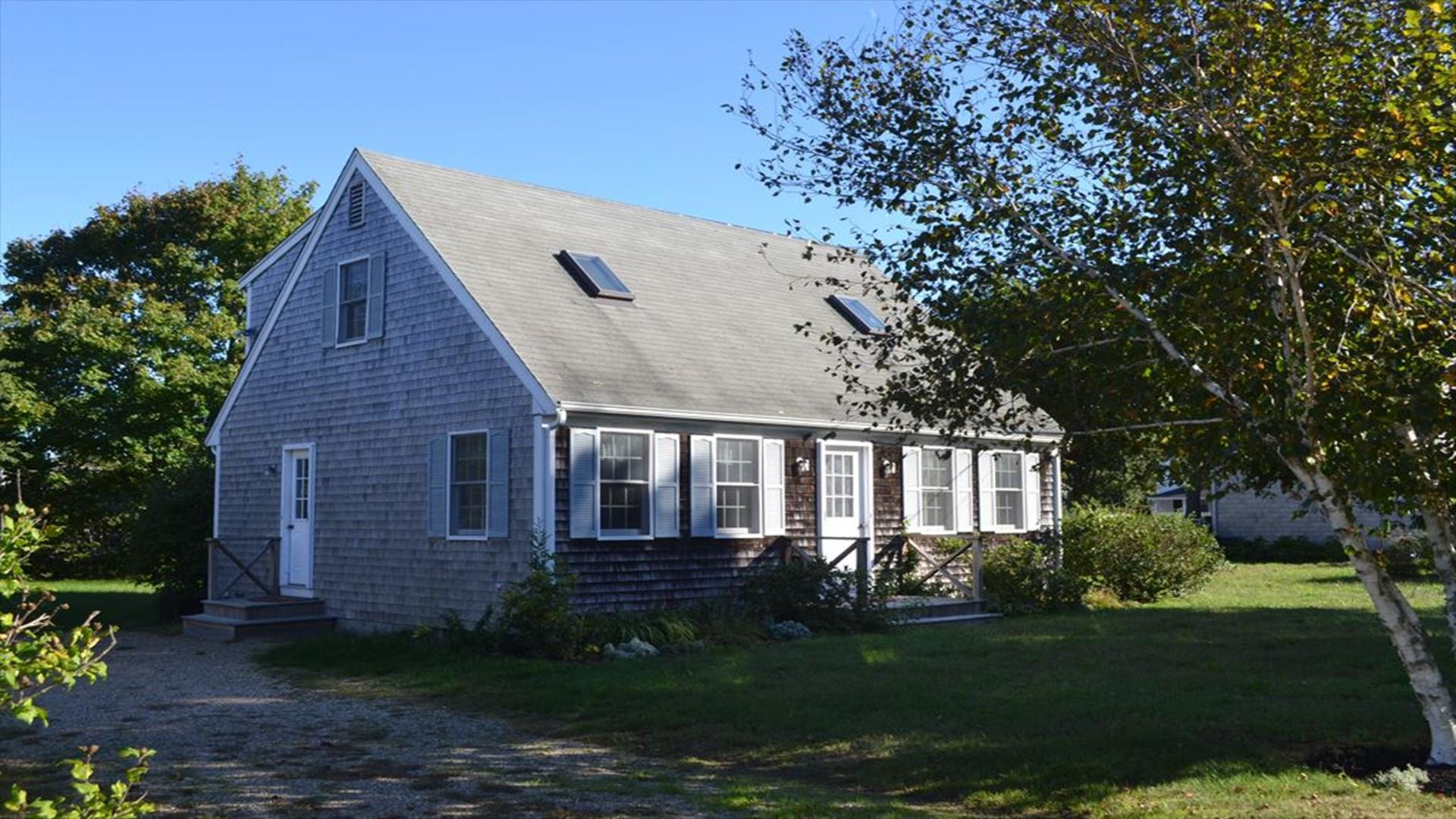 Cape Style Three Bedroom Cottage ~ Walk to Town